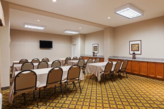 Deer Park, TX: Get to work in our spacious Meeting Room