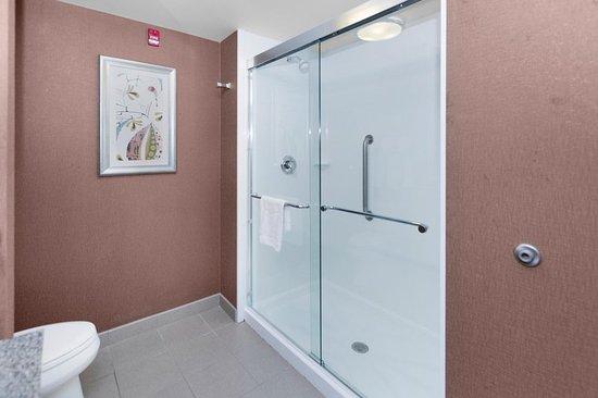 Butler, بنسيلفانيا: Shower