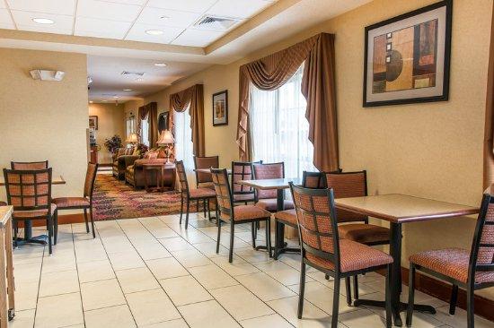 Breakfast - Picture of Comfort Inn, New Buffalo - TripAdvisor