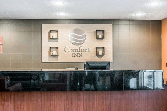 Comfort Inn Traverse City: Lobby