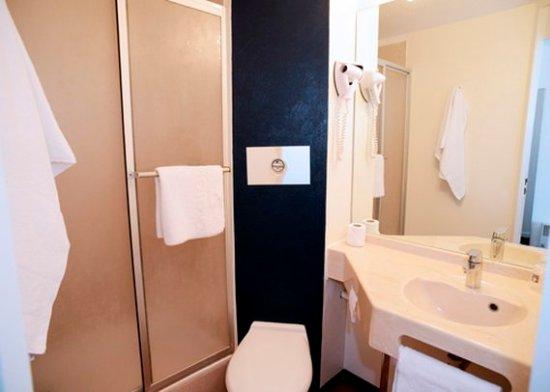 comfort hotel chelles marne la vallee france voir les tarifs et 29 avis. Black Bedroom Furniture Sets. Home Design Ideas