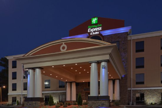 Fulton, MS: exterior hotel