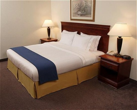 Smithfield, RI: Guest Room