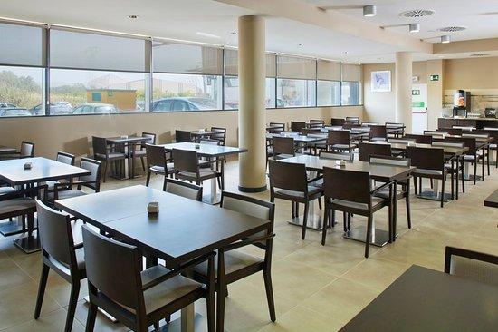 Holiday Inn Express Campo de Gibraltar - Barrios: Breakfast Area