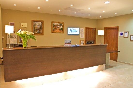 Holiday Inn Express Campo de Gibraltar - Barrios: Recepcition