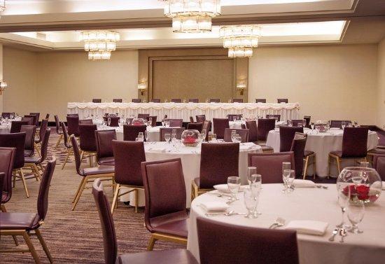 Brooklyn Center, MN: Banquet Setup