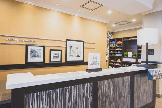 Bolton, Καναδάς: Front Desk