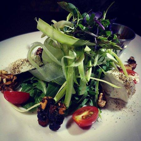 taverna grill: asparagus salad