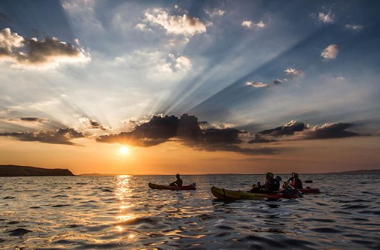 Guided half-day sunset kayaking in ...