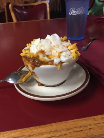 Camino, Καλιφόρνια: Their overflowing cup of chili