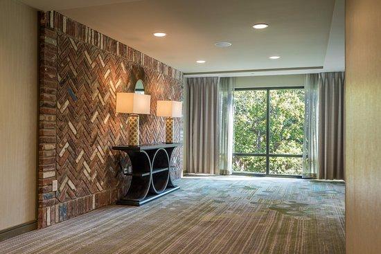 Hilton Garden Inn Mobile Downtown Updated 2018 Hotel Reviews Price Comparison Al Tripadvisor