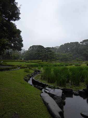The East Gardens of the Imperial Palace (Edo Castle Ruin): Stunning gardens