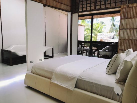 Airai, Palaos: bedroom of the deluxe bungalow