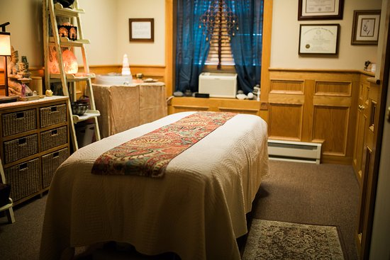 ‪River Therapeutic Massage‬