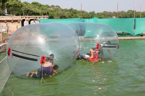 Kankaria Lake: Bubble ride