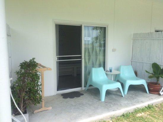 chambre simple pour deux personnes - Photo de Le Petit Saint Tropez ...