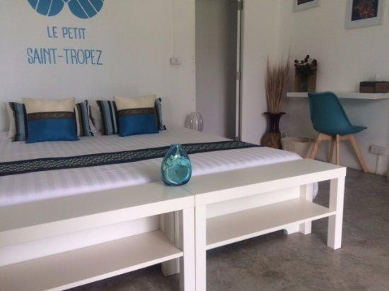 chambre simple pour deux personnes - Photo de Le Petit Saint ...