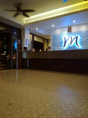 Mercure Pattaya Hotel: reception-hot
