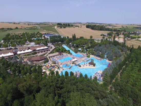 Cingoli, Italie : panoramica acquaparco