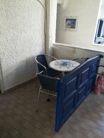 Porto Perissa Hotel : IMG_20171002_164333_large.jpg