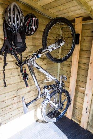 Parkend, UK: Secure cycle storage