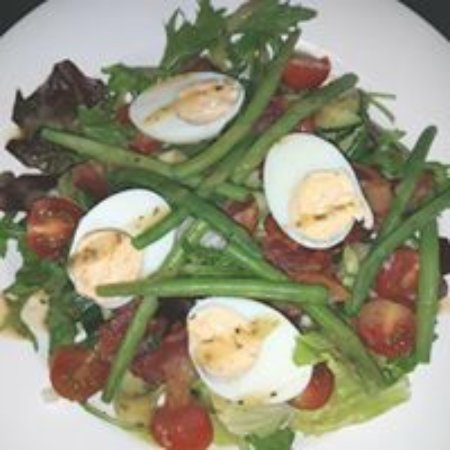 Brackley, UK: Summer salad with soft boiled eggs, fresh green beans and crispy bacon bites