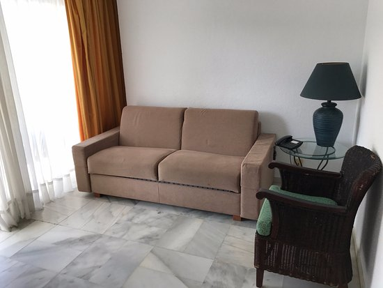 Grubby sofa bed apartment picture of palm beach tenerife - Sofas tenerife ...