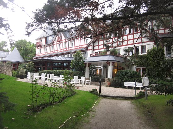 Hotel les pleiades la baule reviews price comparison for Hotels la baule