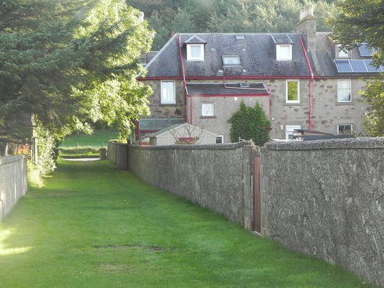 Inchrye Bed & Breakfast : Back of house from coastal path