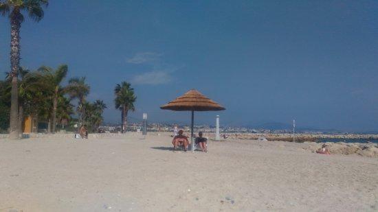 Rosy Beach : IMG-752fbd68150cd9472437ce4bbf9f6320-V_large.jpg