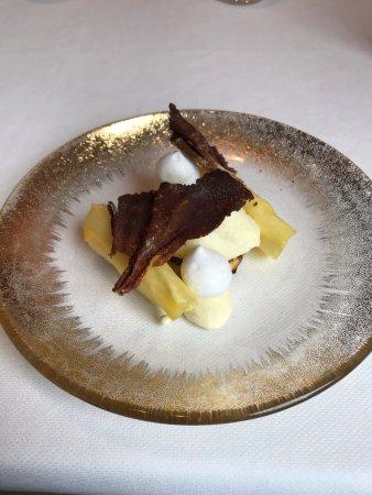 Вестерло, Бельгия: Ananas met witte chocolade en pain perdu