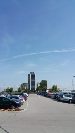 Pannonia Tower Hotel Parndorf Photo