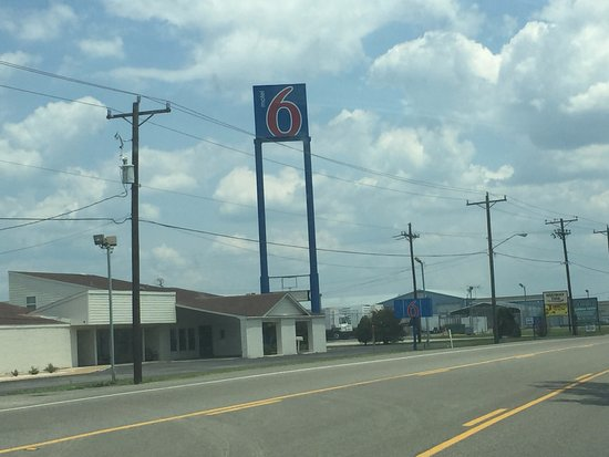 Motel 6 Madisonville TX: Street view