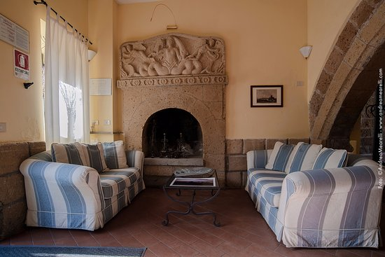 Sovana, Italia: Hall Albergo Scilla