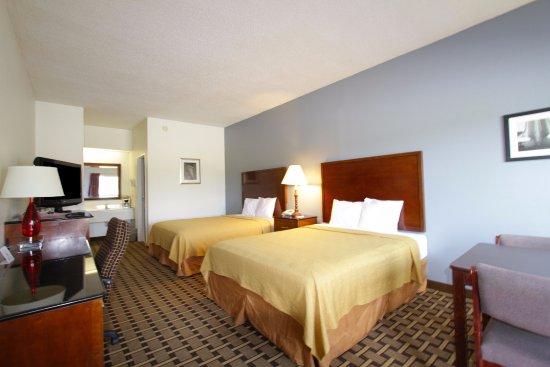 คิงส์ตัน, นอร์ทแคโรไลนา: Two Queen Beds