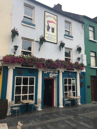 Athlone, İrlanda: Exterior