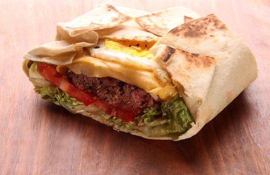 Taco burguer  fotografía de Cuates Burger   Taco Bar 59c6440af9442