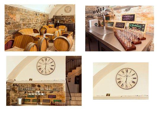 Buelach, Suisse : Hier seht ihr den Blick von hinteren Teil der Bar nach vorne , die tollen Möbel und die Zapfanla