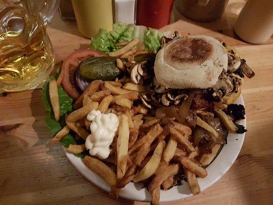 The Bird: Burger für 14,50 Euro ....Pommes aus der Waschmaschine??