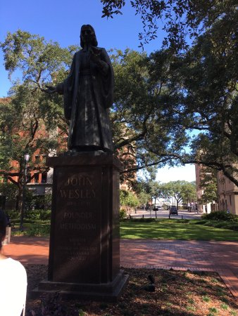 Savannah Dan Walking Tours: Great time with Savannah Dan
