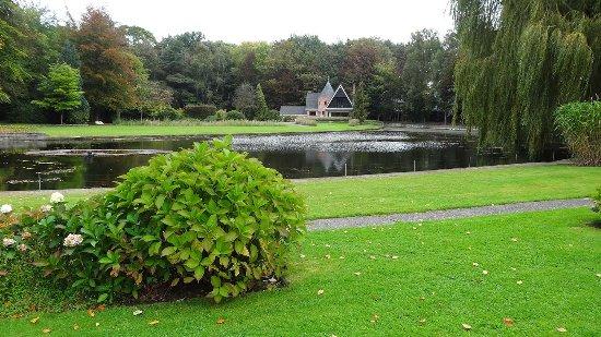 Sint-Kruis, Belçika: ο κήπος του ξενοδοχείου