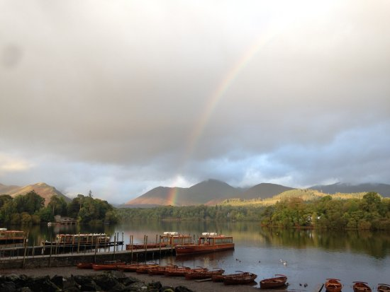 Oakthwaite House: Derwentwater - A short leisurely walk from our property....perhaps chase a rainbow or two!