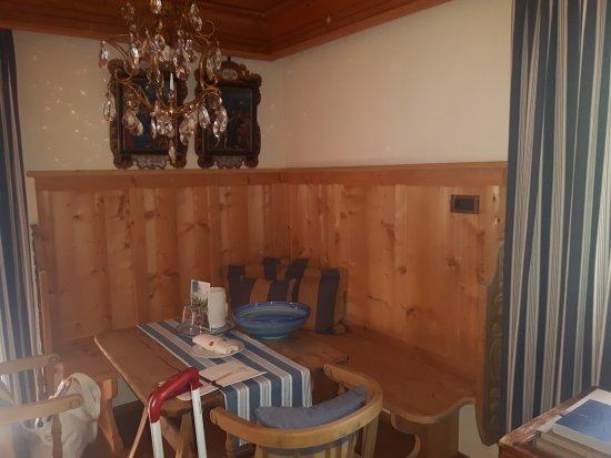 Hotel La Perla : arredamento in stile alpino