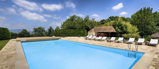 Châteauform' Le château de Faverges De la Tour piscine