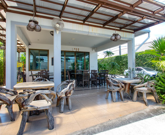 Airport Mansion Phuket, Hotels in Mai Khao