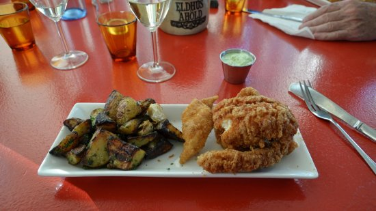 Icelandic Fish & Chips: Nice fish and chips