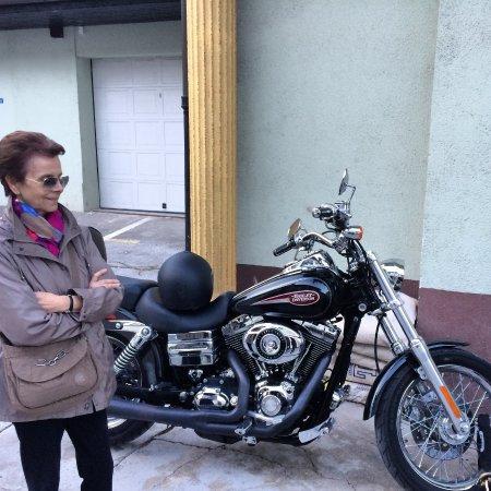 Hotel Emonec: Parcheggio per le moto