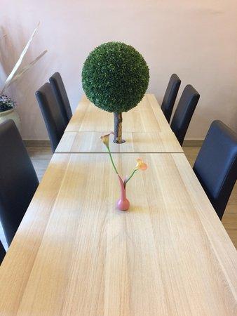 Hotel Emonec: Tavolo della colazione