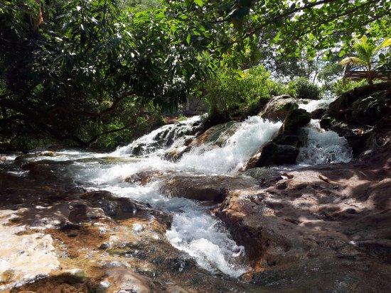 Mengeruda Hot Spring: manggeruda hot spring
