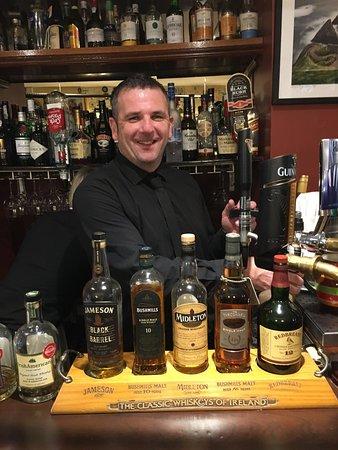 Killeen House Hotel & Rozzers Restaurant: Our Bar Tender!